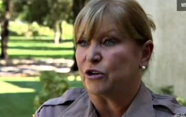 Policia Vicki Thomas.Imagen via CNN