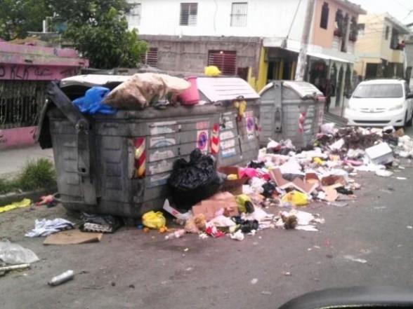 basura 588x441 No se dará basto a basura en Navidad [RD]