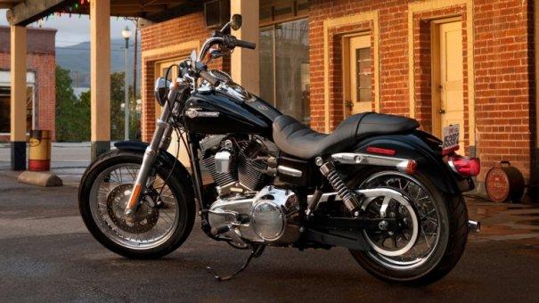 0010572463 El Papa Francisco subastará su Harley Davidson para los pobres