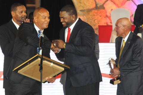 @davidortiz Recibe Premio Latino de Oro