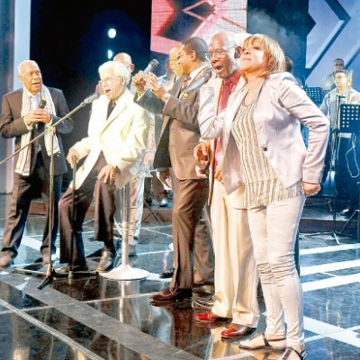 07c095de08829e59bb6cf3ec81defb66 400x400 Johnny Pacheco recibe tributo de La Fania All Stars [RD]