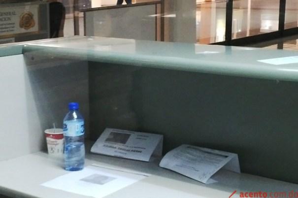 10002 Migración aún mantiene carteles de impedimento de salida a Juliana Deguis [RD]