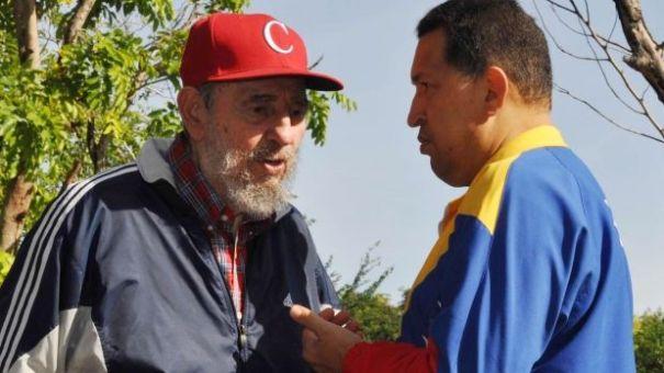 fidel-castro-y-hugo-chavez-619x348