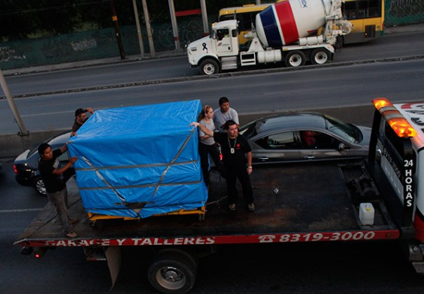 manuel uribe 27052014 3 Como fue transportado el cadáver del hombre más gordo del mundo [fotos]