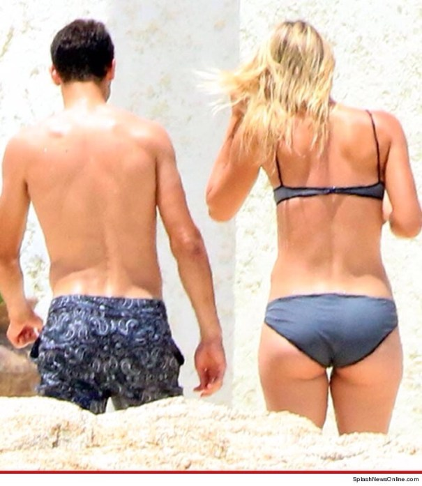 20140710 151637 54997760 Maria Sharapova    Mexico + Bikini = EXCELENTE!!!!