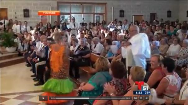 52 El sacerdote que da las misas bailando [Video]