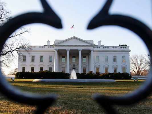 1407458553000-AP-WHITE-HOUSE-PROTESTS-46427699