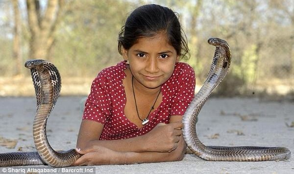 20140806 135703 50223331 Chamaquita de once años encantadora de serpientes