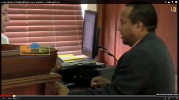 22 Video: Jueza ordena devolver bienes a bachatero acusado de narco [RD]