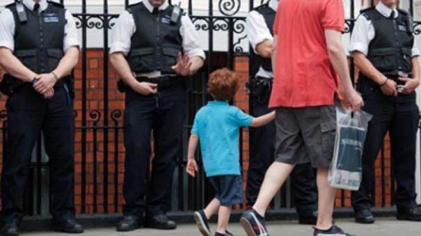 d38fcf3dd00de7885e0b9c45dcaaa885 article Violadores de niños con solo pedir perdón se libran de condenas [Gran Bretaña]