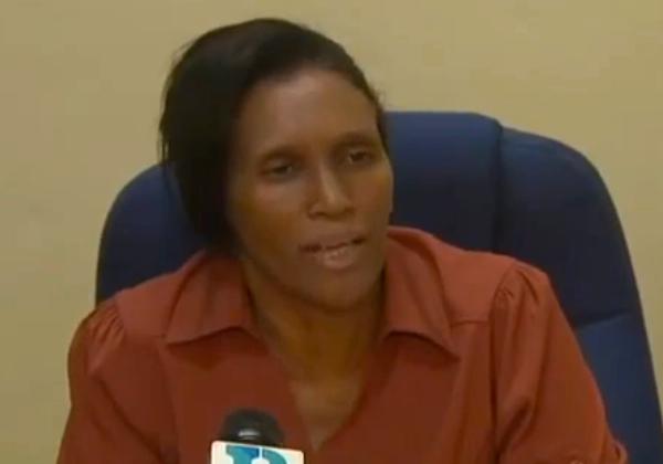 Directora Escuela básica María Auxiliadora en Villa Mella. (Créditos de foto: Captura YouTube)