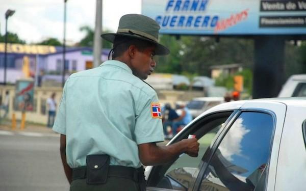 amet1 En las últimas horas van 190 conductores multados por Amet [RD]