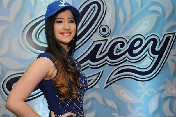 unnamed5 Foto   La madrina del Licey