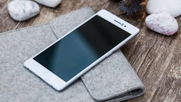 oppo r5 telefono movil Revelan el celular más flaco y 'desnutrio' del mundo