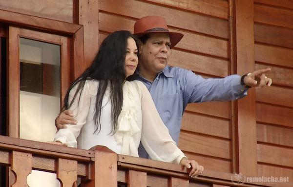mayi y esposa
