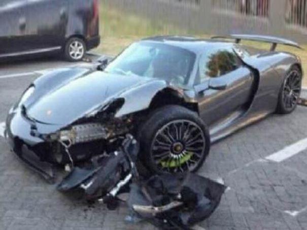 450260 Fotos   Porsche 918 Spyder deguabinao tras choque