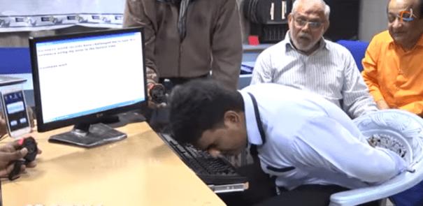 nose man e1419878176207 Video   Este tipo establece un récord mundial escribiendo con su nariz