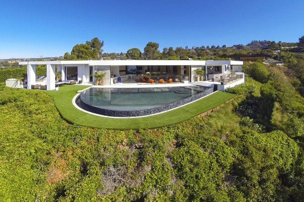 welcome-to-1181-north-hillcrest-the-home-was-listed-in-september-for-85-million