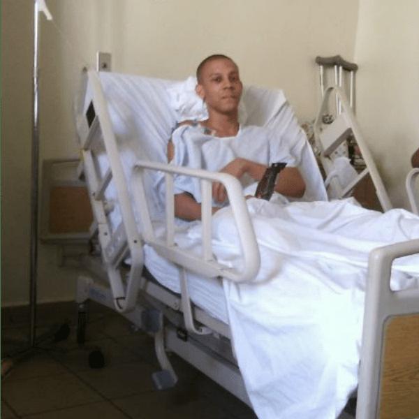 ayu Ayudemos a este estudiante dominicano. Pide ayuda para prótesis