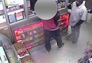 image Video   Hombre brutalmente agredido en bodega en El Bronx