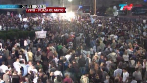 img 4871 Argentina: Miles marchan por muerte fiscal Nisman