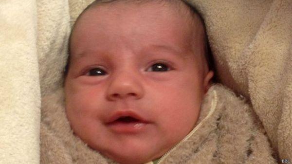 150209145847 rikardo 624x351 bbc El bebé gitano que divide país