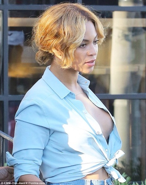 image60 Fotos: Beyoncé sin sostenes
