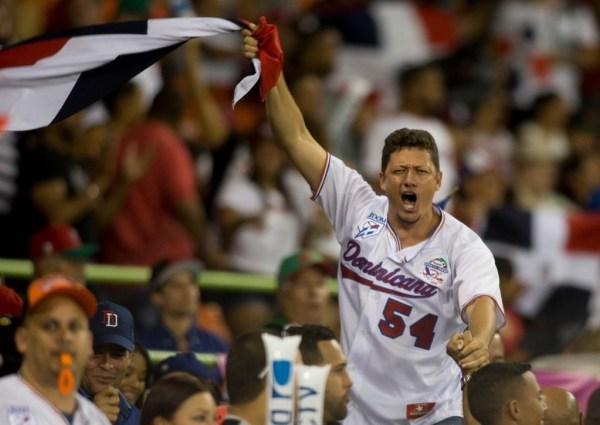image8 Dominicana clasifica a semifinales #SeriedelCaribe2015