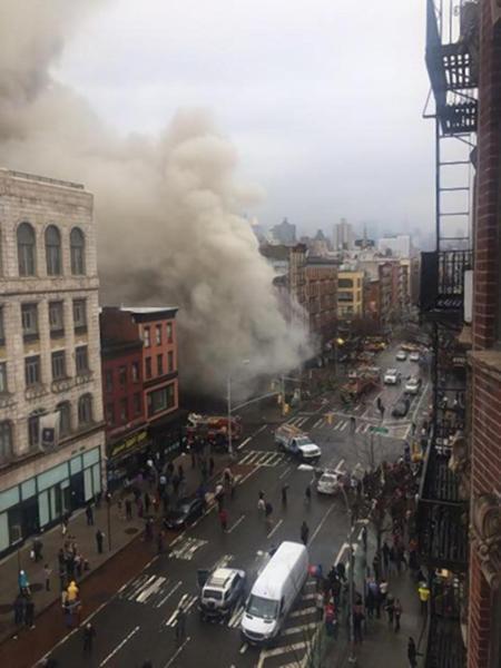 explode27n 1 web Fotos   Explosión en East Village, Nueva York