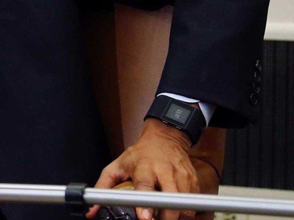 obama-fitbit-up-close