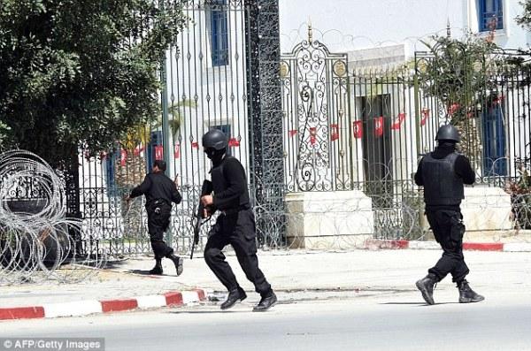 tunisian Sube a 17 el número de personas que murieron en un ataque en Túnez