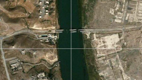 0012467009 Foto: ISIS desbaratando carreteras y puentes