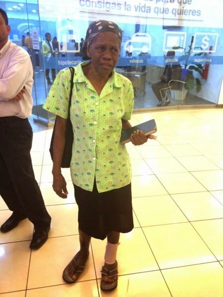 Anciana Maltrada en Agora Mall 1