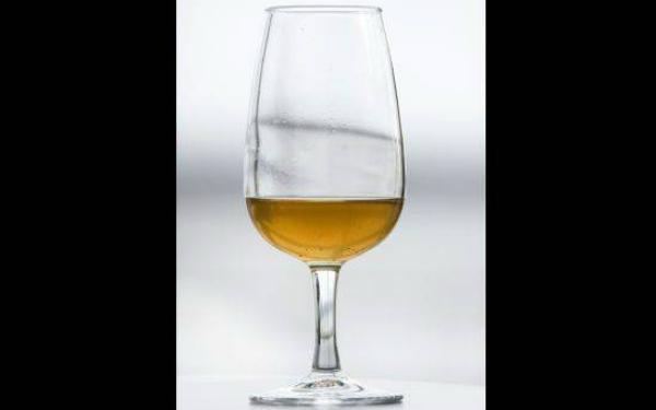base image 3 Hallan champaña con 170 años de añejamiento