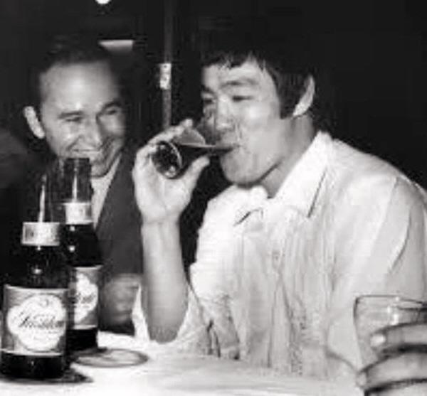 image394 Revista resalta visita Bruce Lee a República Dominicana