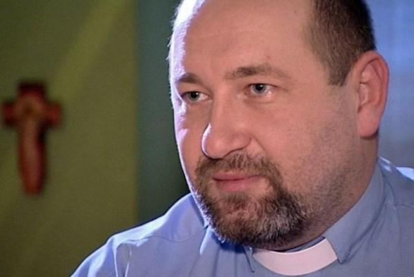 alberto gil 659x441 Familiares de víctimas del padre Gil acuden al despacho del procurador