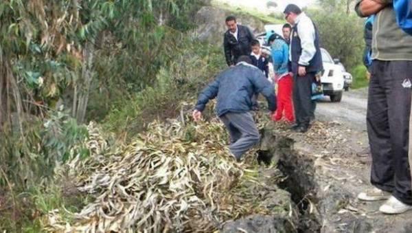 base image1 Se esta hundiendo pueblo en Perú