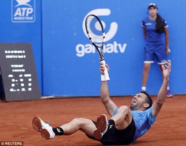 image590 Víctor Estrella debutará mañana en Roland Garros