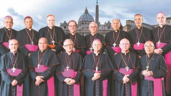 image687 El papa recibe hoy a los obispos de RD