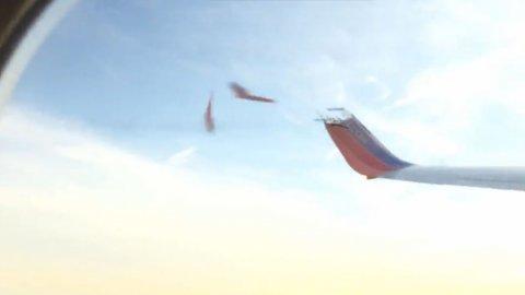 0012881174 El video del drone que rompe ala de avión, es falso