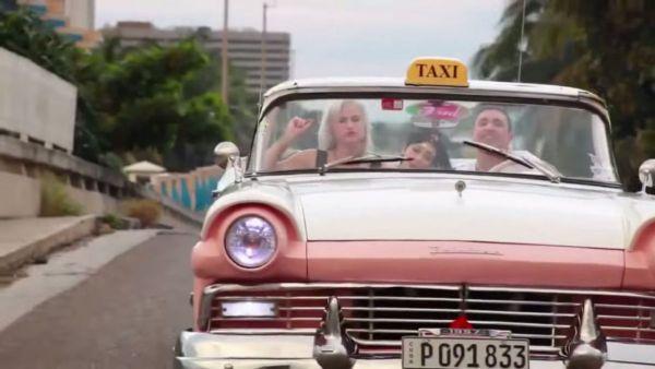 1433185865_taxi