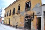 677b53c985cc66497b07c97a09ef4be5 620x412 Padre e hijo en peligro dentro de edificio de la Zona Colonial