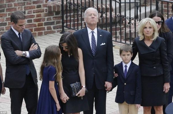 image115 El dolor del vicepresidente de EEUU en funeral de su hijo (fotos)
