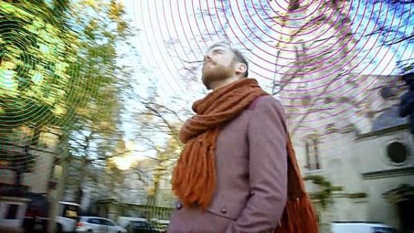 image118 El tipo que escucha las conexiones WiFi