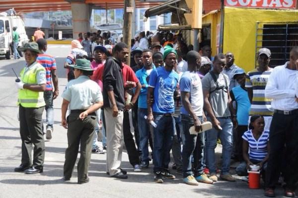 image123 Mafia opera entre los haitianos que buscan la regularización