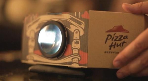 image147 Caja de pizza que se convierte en proyector (video)