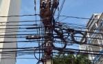 image162 Cables de las telefónicas afean la ciudad (fotos)