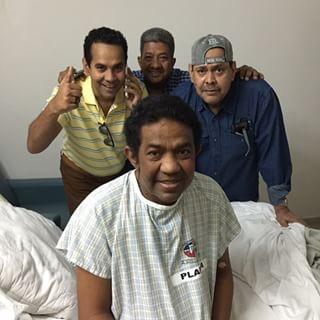 image243 Hermano de Fernando Villalona sale de intensivo