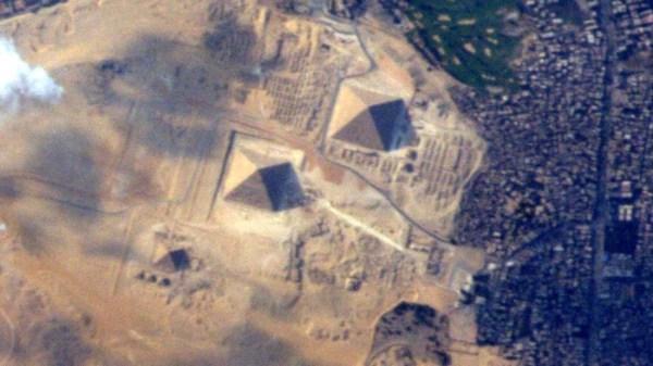 pyramids Foto   Las pirámides de Egipto desde el espacio