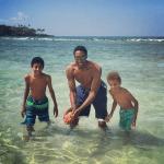 vaca Leyenda de la NBA chillin en playas de RD